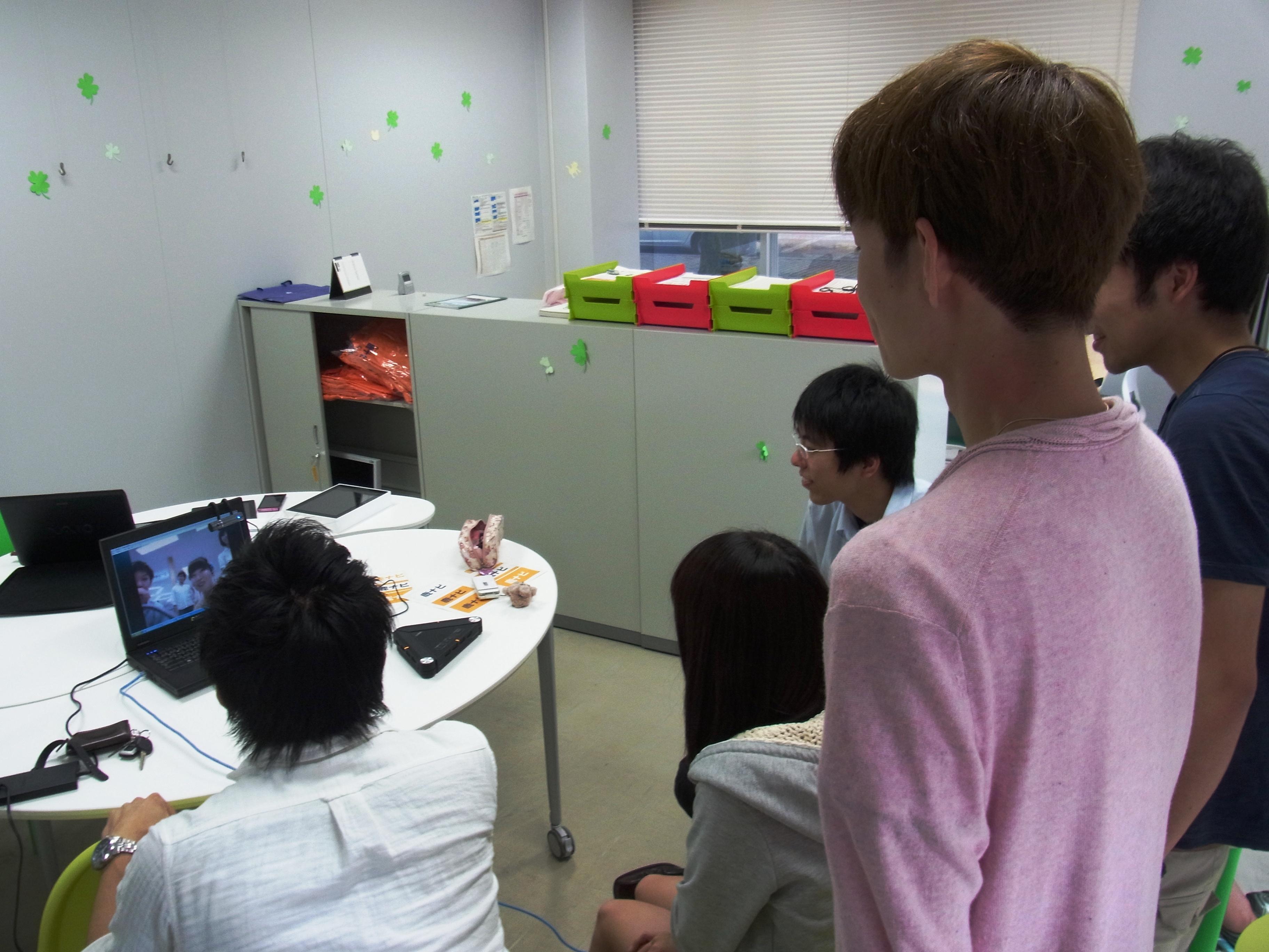 長崎大学とのSkype交流の様子