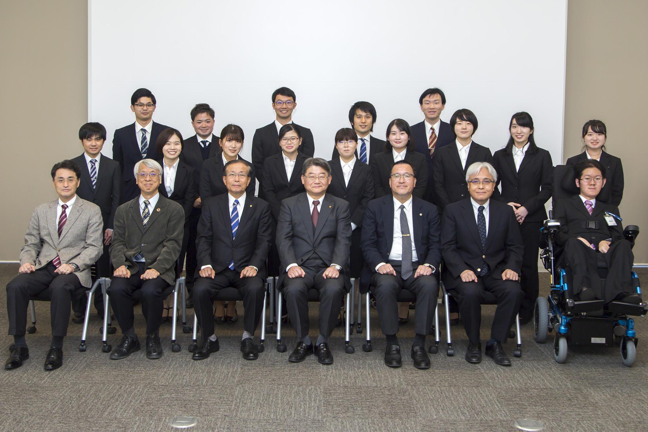 200227gakubu_gakucho_kondanpic02.jpg