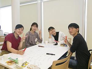 法文学部地域社会コースで学生と教員の交流会を実施しました
