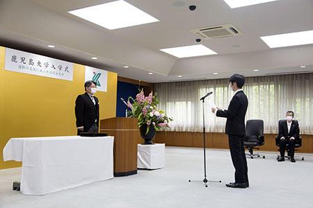 200407_nyugakushiki_pic02.jpg