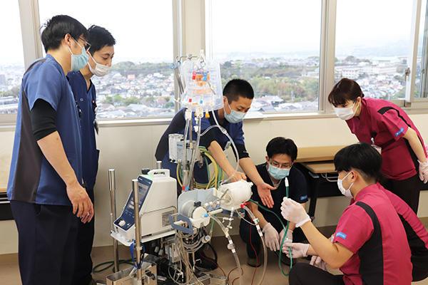 210321kuhos_ecmo_kensyukaipic03.jpg