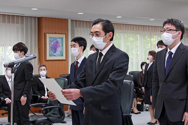 210407_nyugakushiki_pic02.jpg