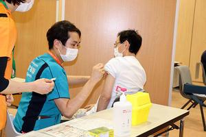 【鹿児島大学病院】医療従事者向け新型コロナワクチン接種を開始
