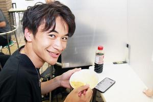 【学生支援】(株)飛来幸鶏ファーム様より食品を寄贈いただきました